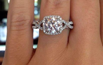 Tips to Choose the Best Engagement Ring for Her