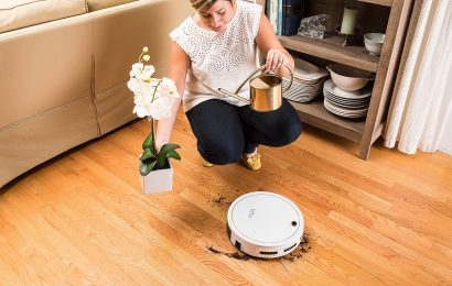 Why Should You Use a Vacuum Cleaner for Cleaning Hardwood Floors?
