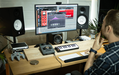 How to Choose the Right Monitors for Your Home Recording Studio