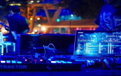 Tips to Buy a DJ Booth